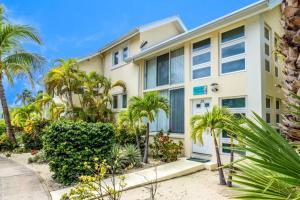 Seaside Dreams Island House by Cayman Villas - Brinkleys