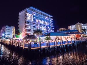 Sands Harbor Resort and Marina, Hotels  Pompano Beach - big - 12
