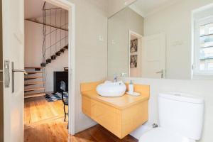 Renovated Apartments in Central Lisbon, Apartments  Lisbon - big - 46