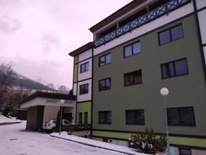 Apartmanovy dom Familia Smokovec - Hotel - Vysoké Tatry
