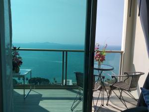 Riviera Naklua by Apple - Tha Yang