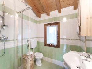 Three-Bedroom Apartment in Sacile -PD-, Apartmány  Sacile - big - 6
