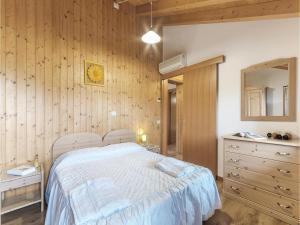 Three-Bedroom Apartment in Sacile -PD-, Apartmány  Sacile - big - 12