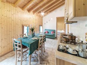 Three-Bedroom Apartment in Sacile -PD-, Apartmány  Sacile - big - 21