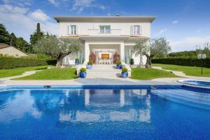 obrázek - Spadici Villa Sleeps 10 Pool Air Con WiFi