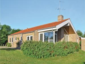 Two-Bedroom Holiday Home in Broager - Skelde