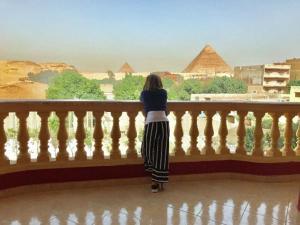 Cleopatra Pyramid Inn