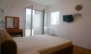 Two bedroom apartment near the sea