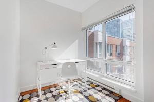 Palais-des-Congrès Furnished Apartments by Hometrotting, Apartmány  Montreal - big - 63