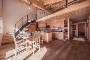 Chalet Aquila 8 - Apartment - Wengen