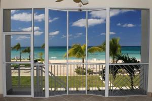 South Bay Beach Club Villa #4 - Hutland