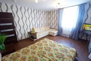 02. Апартаменты на Авиаторов, 38 - Apartment - Krasnoyarsk