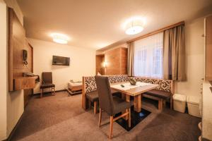 Arlen Lodge Hotel, Hotely  Sankt Anton am Arlberg - big - 8