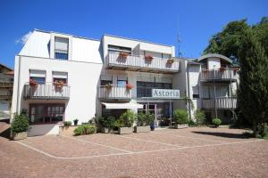 Pension Astoria - Sluderno