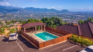Luxury City View Rental in Kingston - Tunbridge