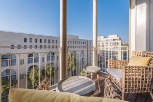 Trust Inn - Mamilla 2 balcony old city view