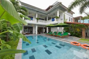 An Bang Beach Villa