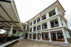 Auberges de jeunesse - OYO 309 Avila Ketapan Rame Hotel
