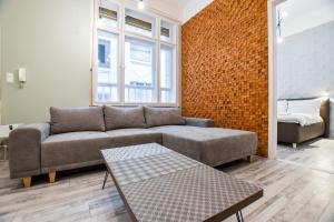 Stone Tiger Delux Apartment at Deak Ferenc Square