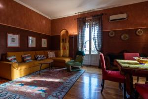 Beautiful apartment in a real castle in Milano Lor - AbcAlberghi.com