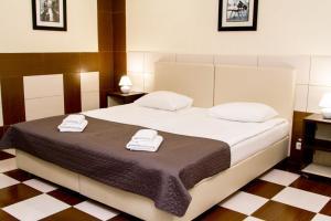 Отель Корона, Отели  Чубинское - big - 3