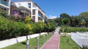 Magnifique 2 pièces avec piscine proche de Cannes