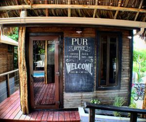 PUR Boutique Cabanas