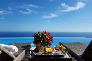Furore Villa Sleeps 10 Pool Air Con WiFi - AbcAlberghi.com