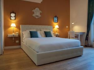 Cosmopolitan Central Rooms - AbcAlberghi.com