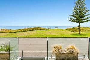 obrázek - Beachfront Location