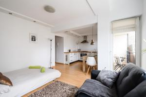 Balcony Apartment near Old Town