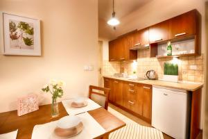 Bright Apartment at the Old Town