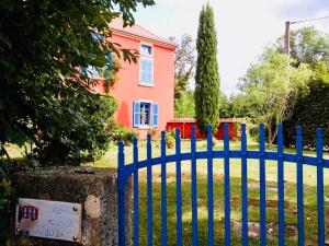 Location gîte, chambres d'hotes Chambres d'Hôtes Les Heures Claires dans le département Loire 42