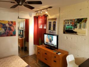 Cozy Miami Guesthouse