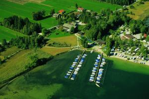 Zum Fischer am See, Penzióny  Prien am Chiemsee - big - 54