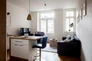 Comfortable Central Apartment Close to the River - Prague