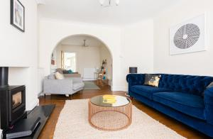 obrázek - The Canary Way - Contemporary 4BDR Home with Parking