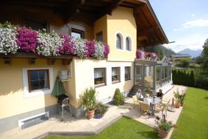 Haus Silvia - Hotel - Flachau