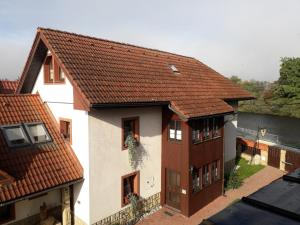 Hotel River Side Holiday Home near Besenova Ivachnová Slovacia