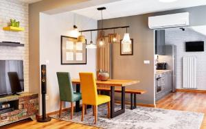 Stylish and High-end Designer Apartments in City Center
