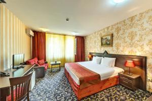 Hotel Montecito - Bussmanzi