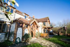 Hornblotton Villa Sleeps 10 Pool WiFi - Baltonsborough