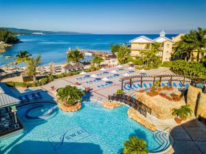 Jewel Paradise Cove Beach Resort & Spa - Curio Collection by Hilton - Runaway Bay