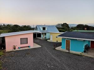 NEW coral bungalow: Arenal View, Fortuna