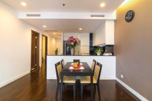 Christina's Hanoi - Lancaster City Living, Apartments  Hanoi - big - 2