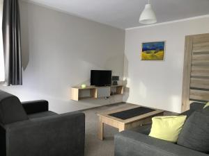 Apartament koloru morza Kobalt