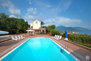 Cammaresano-Villano Villa Sleeps 14 Pool Air Con - Morigerati