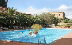 Hotel Villaggio Calaghena, Отели  Монтепаоне - big - 1