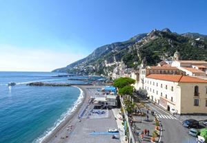 Amalfi Apartment Sleeps 4 - AbcAlberghi.com