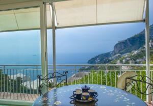 Conca dei Marini Apartment Sleeps 4 T721460 - AbcAlberghi.com